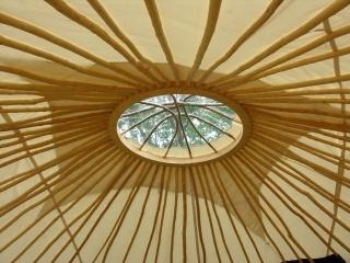 Vu de l'intérieur, le toit de la yourte de 50 m² qui sera installée au centre de loisirs, dès juillet prochain.