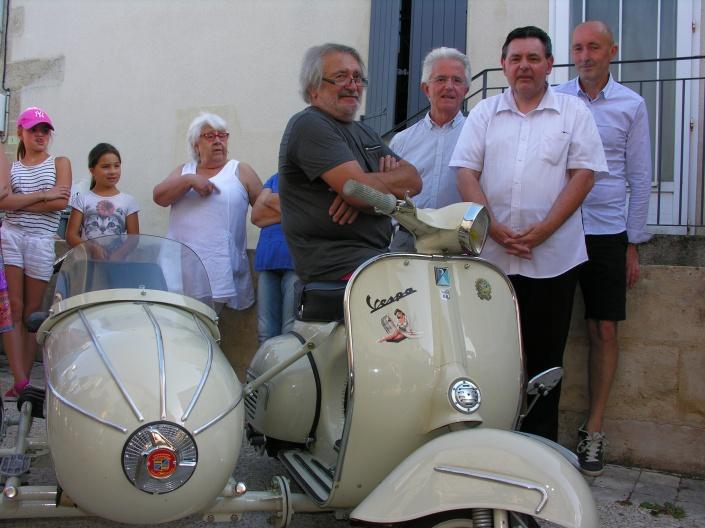 (de g. à d.) Jean-Claude Daroux, Gérard Laborderie (maire de Magné), Daniel Taillé et Alain Sauviac (président du comité de jumelage franco-italien), les artisans du montage du premier Festival Scola.